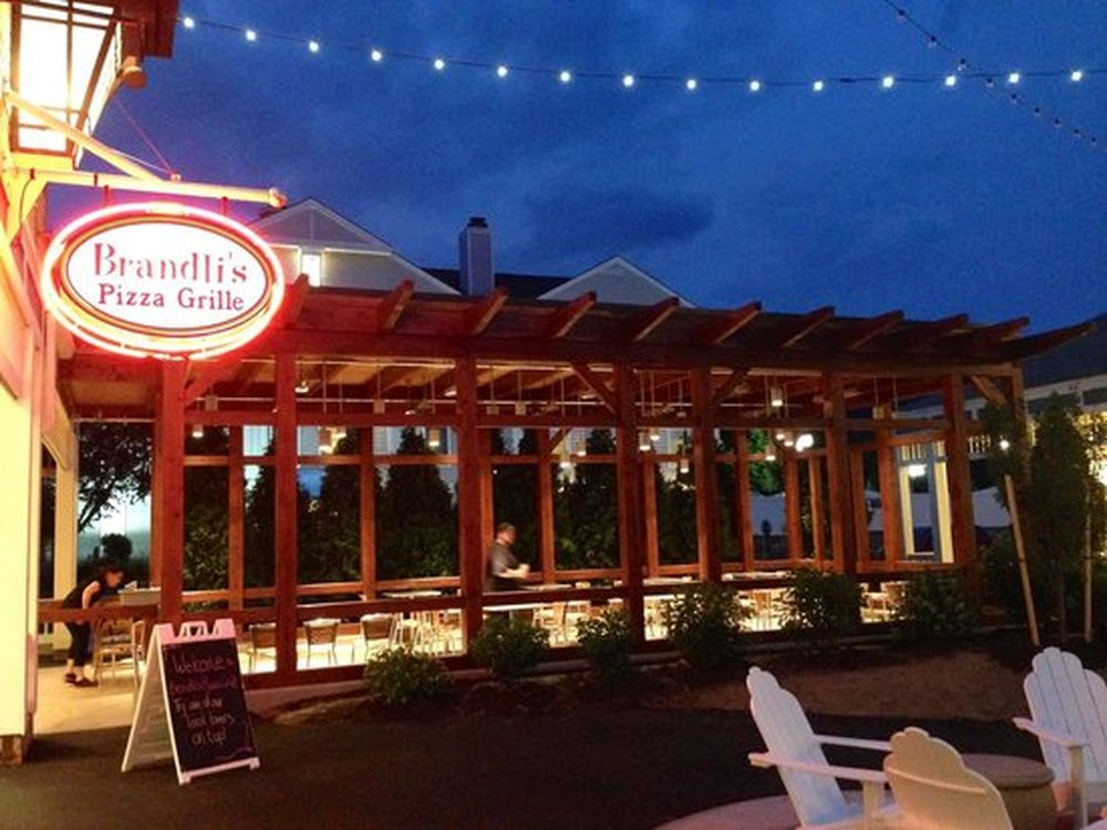 OUTDOOR DINING In The Mount Washington Valley